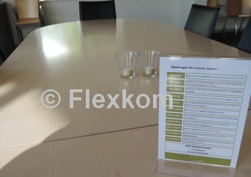 Møderegler i mødelokale